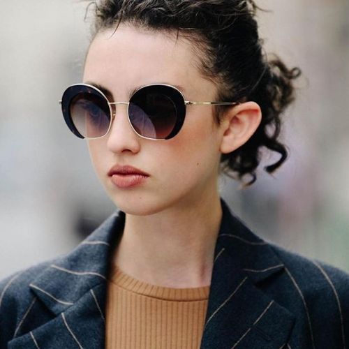 Make a statement with these bold and contemporary Giorgio Armani shades. Shop now in-store at @sunglasshut. . . . #sunglasshut #waggawaggamarketplace #byISPT #HouseOfSun #sunglasses #fashionsunglasses